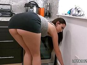 ass porn - Gorgeous busty brunette big ass babe Aidra Fox fucks handy man