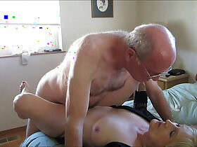 couple porn - Old Couple Hooks Up Online For Sex