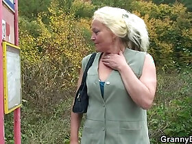 granny porn - Granny whore is picked up and fucked