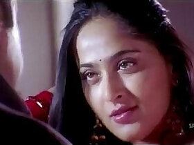 anus porn - Anushka Shetty hot Saree Changing exposing her body