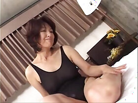 amateur porn - Mature asian a lone mom making sex in swimming suit