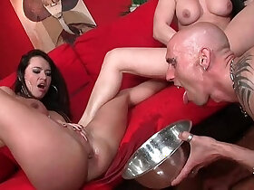 babe porn - LECHE 69 Gorgeous babes Squirting into a bowl