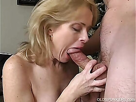 babe porn - Very sexy babe loves a sticky facial cumshot