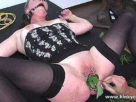 insertion porn - Insertion with nettles via speculum
