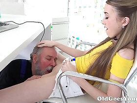 legs porn - Old Goes Young Lovely Vlada splits open her long legs