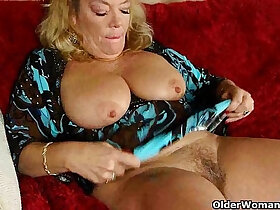 granny porn - Office granny in pantyhose gives her old pussy a treat