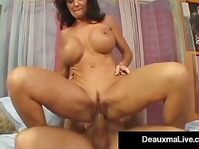 cougar porn - Texas Cougar Deauxma Squirts From Her Creaming Hot Pussy!