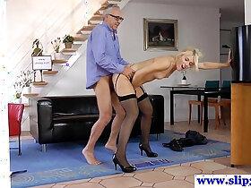 beauty porn - Tall euro beauty loves pleasuring geriatric