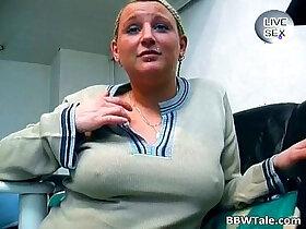 bbw porn - Chubby blonde cuttie spreads pussy