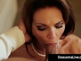 busty porn - Busty Texas Cougar Deauxma Fucks Her Hotel Room Service Guy!
