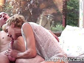 cock porn - Smoking hot granny takes a young cock