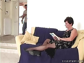 mom porn - Old mom and her tipsy step son