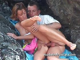 amateur porn - Amateur young couple anal sex on a beach