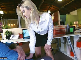 ass porn - Young Goldie Rush and her perfect round ass